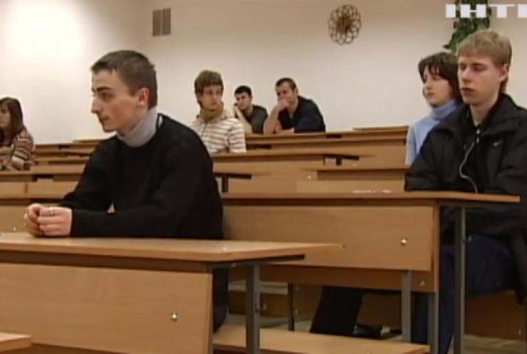 Учнів звільнили від обов'язкової державної атестації