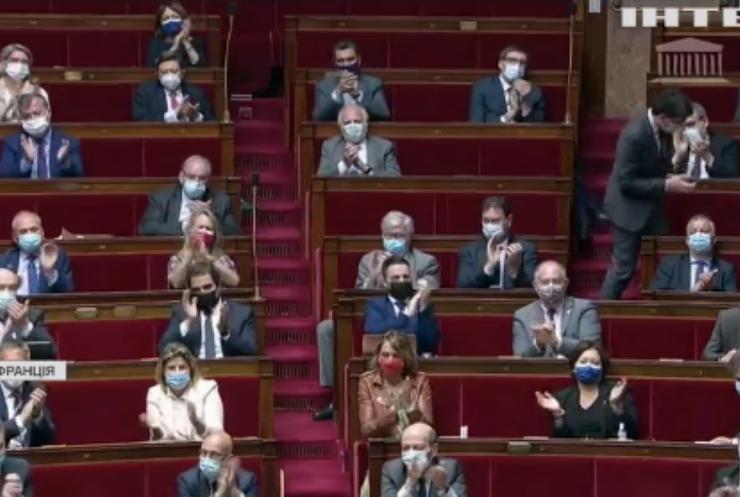 Влада Франції попри скандали ухвалила закон про поліцію