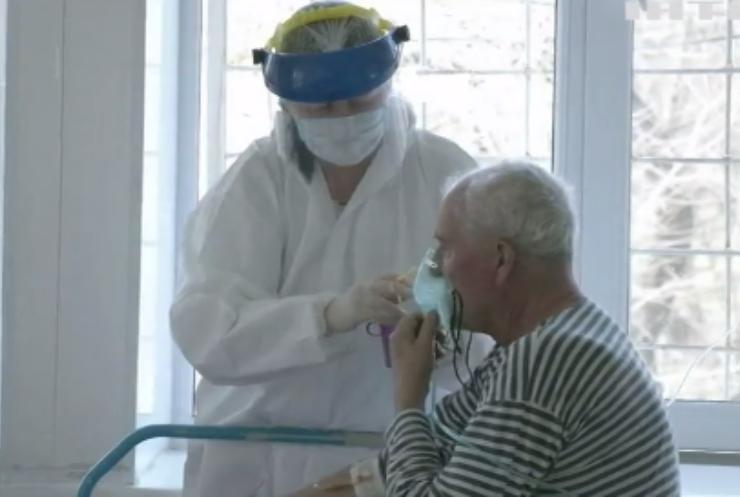 COVID-19 в Україні: ушпиталили понад 4 тисячі хворих