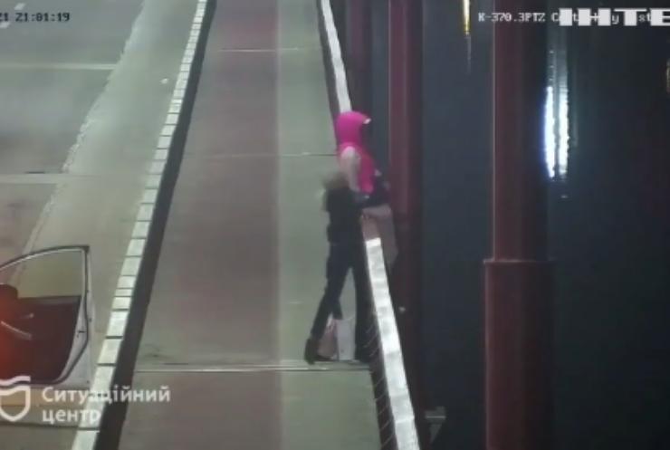 У Дніпрі поліція врятувала дівчину-самогубця