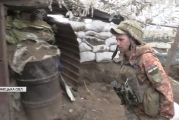 На Донбасі українські військові тренуються у тактичній медицині