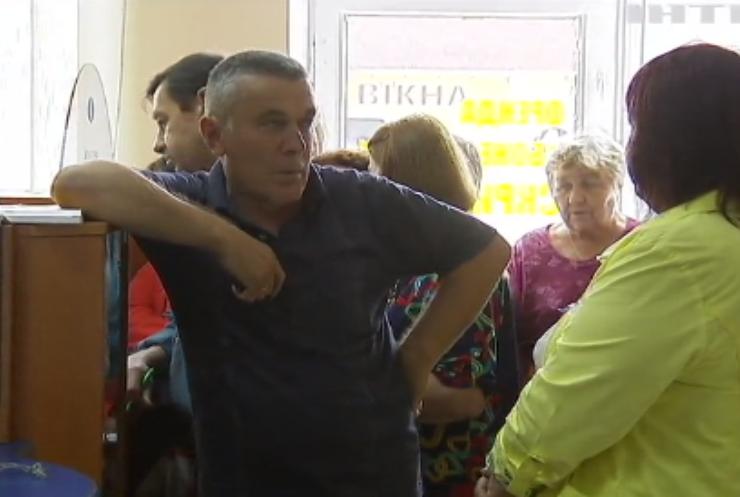 Економіка в Україні: Кабмін вирішив підвищити акцизи на алкоголь