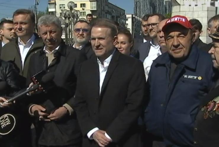 У Києві День Перемоги відзначили святковим автопробігом