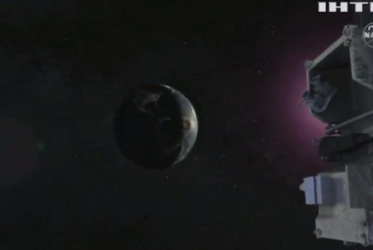Космічний зонд НАСА повертається на Землю