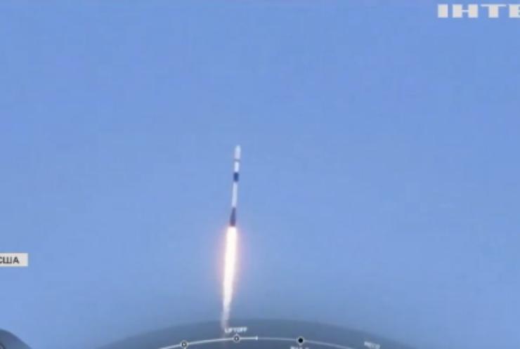 SpaceX вивела на орбіту 60 супутників
