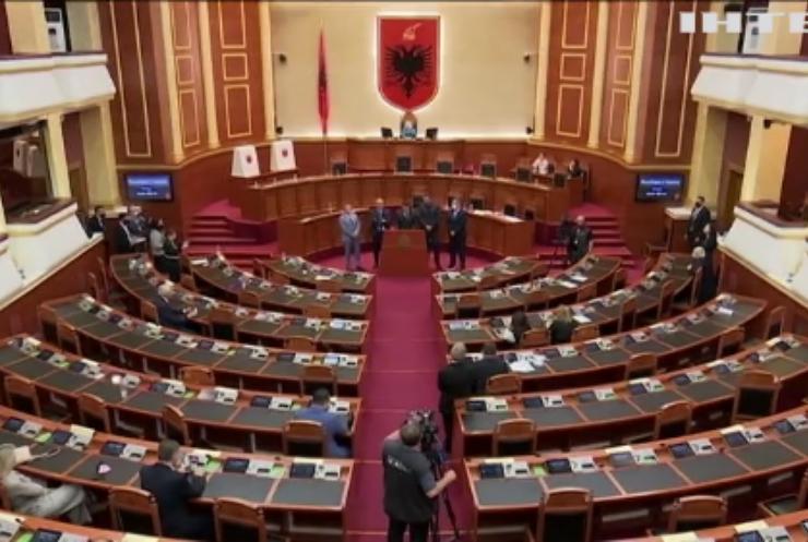В Албанії проголосували за імпічмент президенту країни