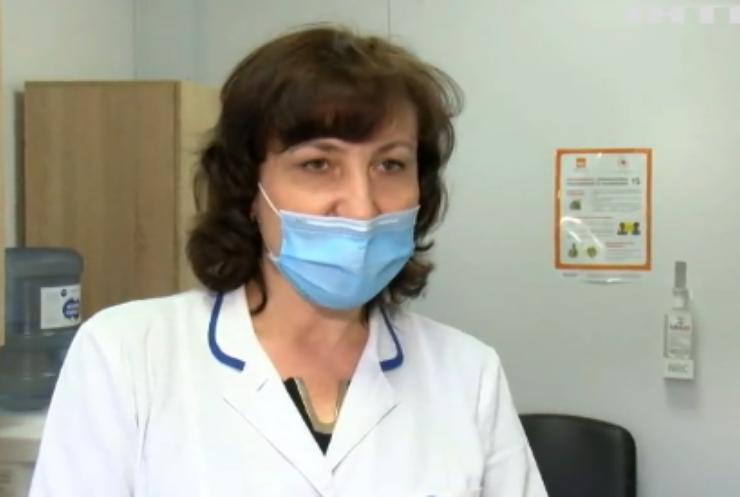 Щеплення проти COVID-19 на Донбасі: де жителі можуть вакцинуватись?