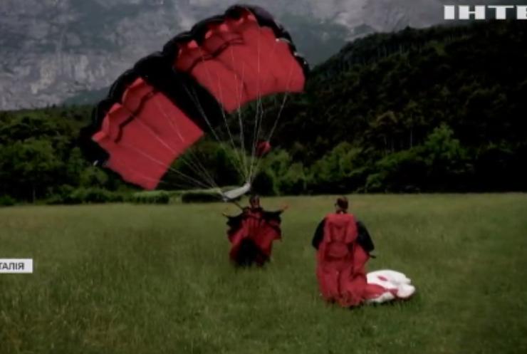 В Італії сміливці підкорюють гору Бренто