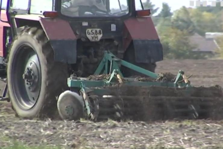 Земельно-урядовий день: міністр агрополітики звітував про перший день ринку землі
