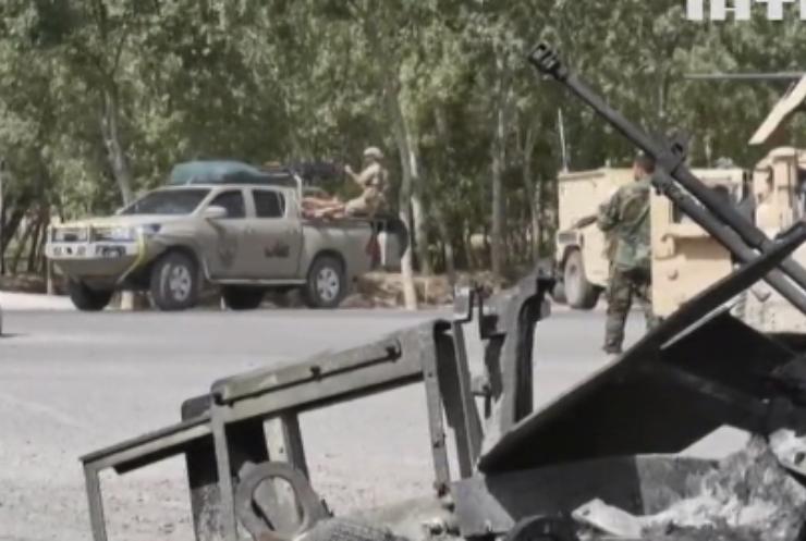 Талібан штурмує великі міста Афганістану