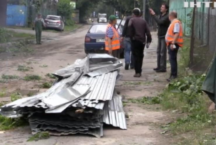 Непогода в Україні: без електрики залишились 529 населених пунктів
