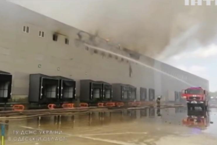Під Одесою спалахнула масштабна пожежа