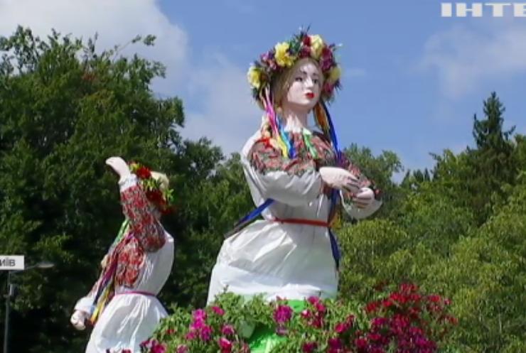 У столиці України відкрили масштабну квіткову виставку до Дня Незалежності