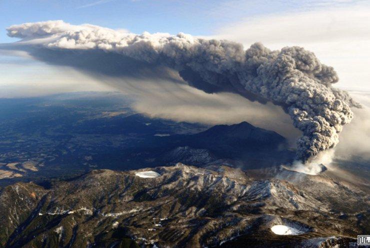 Вулкан Отаке загрожує японцям потужними руйнуваннями