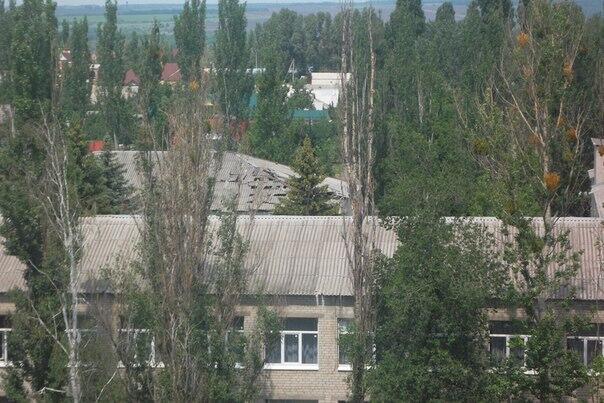 В Славянске снаряды летят в жилые дома и здания школ: люди прячутся (ФОТО, ВИДЕО), фото-1