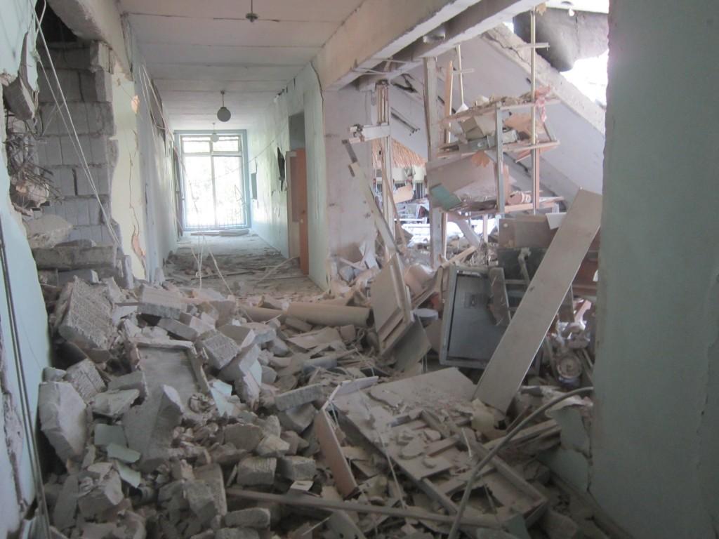 В Луганске от обстрела пострадало здание филармонии (ФОТО), фото-3