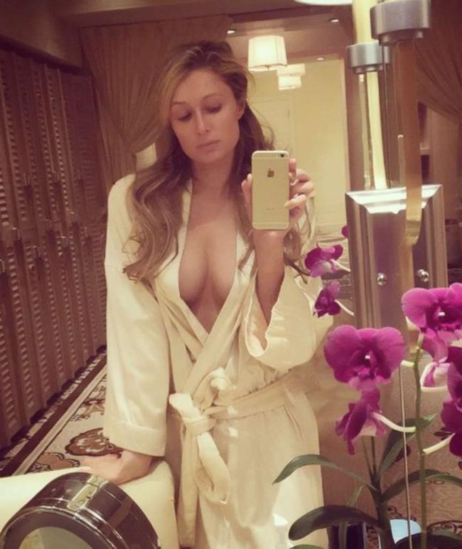 Всем дать девушка с упругой натуральной грудью порно помогла порно много