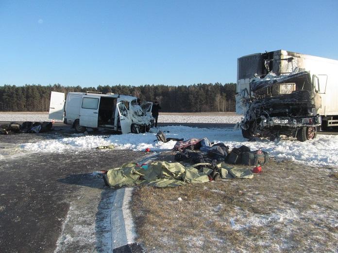 ФОТО:В Беларуси разбился автобус с украинцами: трое погибших