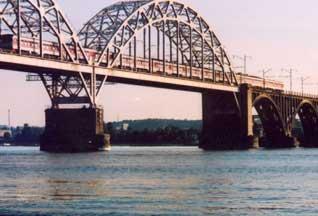 Дарницкий мост только на картинках