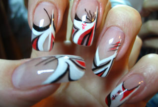 Для того, чтобы иметь такие ногти, совсем не обязательно идти в салон красоты, где маникюр вам обойдется в...
