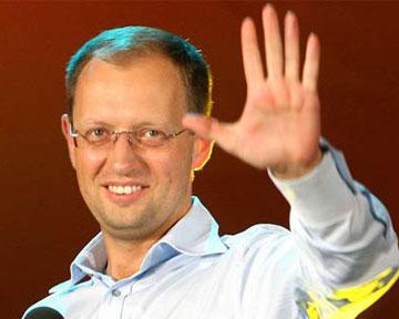 Яценюк хочет отставки Тимошенко