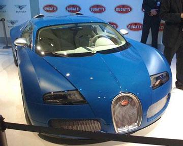 Стоимость Bugatti Veyron Bleu Centenaire составляет 1,35 миллиона евро. Фото Аutoblog.com