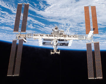 Международная космическая станция (МКС). Фото Аstronet.ru