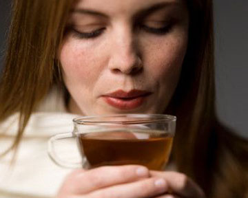 Эксперты не советуют пить черный чай, температура которого выше 70 градусов. Фото gettyimages.com