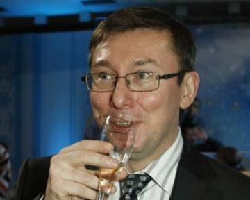 Завтра в Раде будет поставлен на голосование новый законопроект, позволяющий Луценко стать генпрокурором, - Геращенко - Цензор.НЕТ 1447