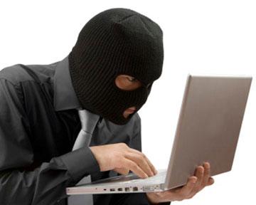 Многие люди не подозревают, что скачивая песню из файлообменника, нарушают закон. Фото Тsn.ua