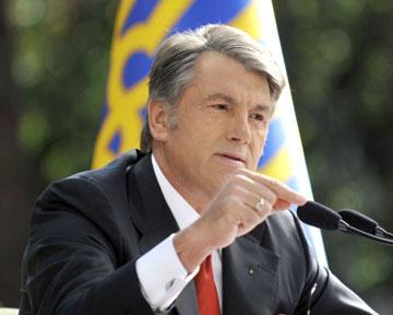 Ющенко стало стыдно за бомжа Тимошенко