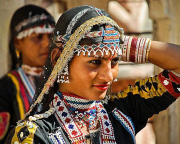 Индийцы довольно консервативны в одежде, и они ждут, что вы будете...