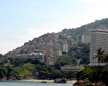 В Бразилии мобильные телефоны раздадут беднякам бесплатно