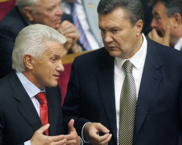 Янукович торопит Литвина с коалицией