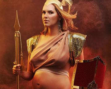 В Киеве открылась выставка, воспевающая беременность