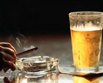 В Киеве вступил в силу запрет на алкоголь и сигареты в киосках