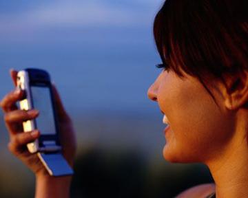 Во втором квартале мировые продажи смартфонов достигли рекордного объёма.