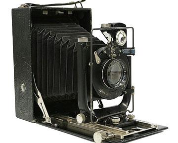 """Фотоаппарат  """"Фотокор - 1 """". Металл, пластмасса, линза.  СССР, 30-е годы ХХ века.  Габаритные размеры фотоаппарата в..."""