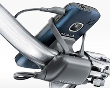 Компания Nokia выпустила в продажу велосипедное зарядное устройство для мобильных телефонов.
