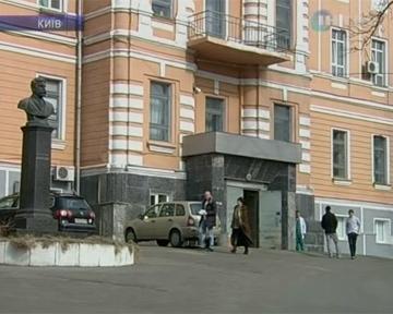 Власть не отдает Александровской больнице ее помещения
