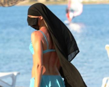 арабки на пляже смотреть порно фото 8