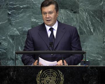 Украина стала лучше бороться со СПИДом — Янукович