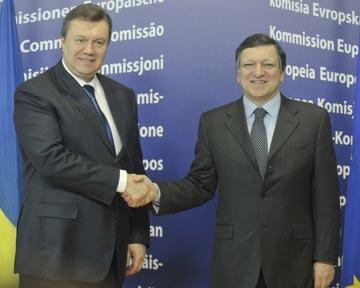 Янукович попытается окончательно договориться об ассоциации с ЕС осенью