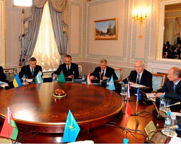 Кыргызстан вступает в таможенный союз