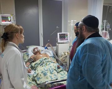 Неизвестные в центре Киева проломили голову молодому еврею