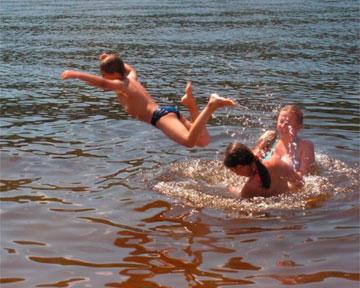 В Киеве официально разрешено купаться только на 6 пляжах