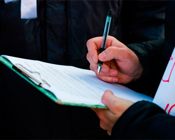 Суд запретил собирать под Киевом подписи об отставке Януковича