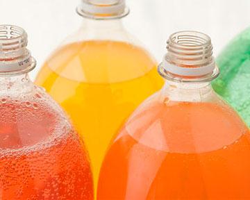 Продукты провоцируют заболевания десен и зубов. Фото novostiua.net