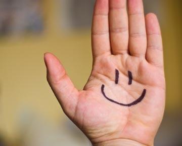 Три четверти украинцев считают себя счастливыми, – опрос