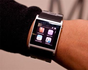 """Познакомиться с """"умными"""" часами от Samsung можно будет в сентябре"""